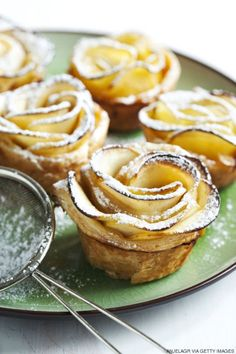 Recipes, Cooking Tips & Food Trends - HuffPost Taste Fancy Desserts, Just Desserts, Dessert Recipes, Apple Recipes, Baking Recipes, Kinds Of Pie, Raw Cake, Apple Roses, Dessert Decoration