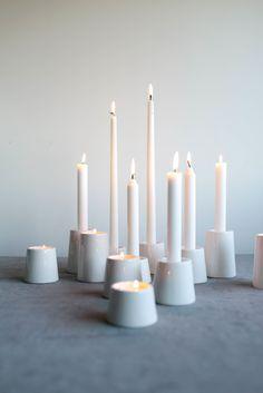 Koti-kynttilänjaloista saa luotua näyttäviä kokonaisuuksia! Wax, Candles, Lights, Christmas, Home Decor, Decorated Candles, Candle, Xmas, Decoration Home