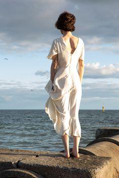 Megan von de vintage shoot by Peter Berzanskis Editorial, Bob, White Dress, Photoshoot, Beach, Vintage, Dresses, Fashion, Vestidos