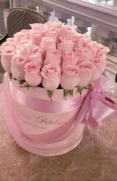 Red Rose Arrangements, Basket Flower Arrangements, Beautiful Flower Arrangements, Mothers Day Flowers, All Flowers, Pretty Flowers, Virtual Flowers, Happy Birthday Friend, Flower Boutique