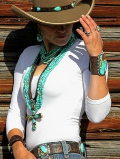 accessorized cowgirl look