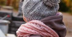 Blogi missä tehdään käsitöitä, sisustetaan vasta valmistunutta omakotitaloa maaseudun rauhassa ja höpistään niistä arjen pienistä iloista! Knitted Hats, Winter Hats, Knitting, Fashion, Moda, Tricot, Fashion Styles, Breien, Stricken