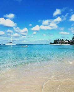 Saturday morning walks along the beach at Cobblers Cove.    #cobblerscove #barbados #lovebarbados  Barbados Travel  Accedi al nostro sito Ulteriori informazioni   https://storelatina.com/barbados/travelling  #ባርባዶስ  Barbados Travel  हमारे ब्लॉग का उपयोग अधिक जानकारी   https://storelatina.com/barbados/travelling