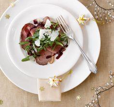Vorspeise: Roastbeef mit Johannisbeersauce - Rezepte: Weihnachtsmenü aus der Luft - 1 - [ESSEN & TRINKEN]