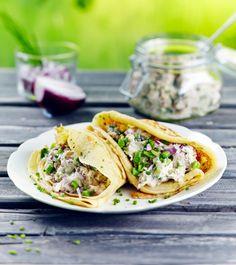 Täytetyt letut nizzalaisittain | K-ruoka  Täytetyt letut maistuvat koko perheelle. Kokeile lettuihin erilaisia suolaisia ja makeita täytteitä.