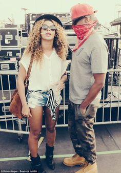 Coachella couple: Back in 2010, Jay-Z brought Knowles onstage to perform Forever Young dur... http://dailym.ai/P3q37J#i-5ac00d28