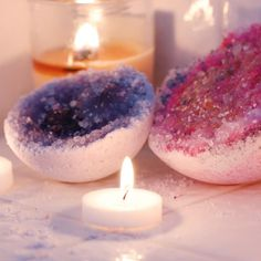 Geode bath bombs gift ideas + crafts bath boms, diy spa и di Diy Spa, Homemade Gifts, Diy Gifts, Homemade Products, Homemade Beauty, Fun Crafts, Diy And Crafts, Bath Bomb Recipes, Bath Salts