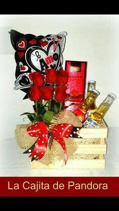 Esposo Valentine Gift Baskets, Valentine Crafts, Valentine Day Gifts, Fathers Day Gift Basket, Valentine's Day Gift Baskets, Liquor Bouquet, Candy Bouquet, Craft Gifts, Diy Gifts