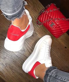 Alexander McQueen Sneakers women white and red Alexander Mcqueen Sneakers Women, Alexander Mcqueen Schuhe, Alexander Mcqueen Baskets, Fancy Shoes, Cute Shoes, Me Too Shoes, Sneaker Outfits, Sneakers Mode, Sneakers Fashion
