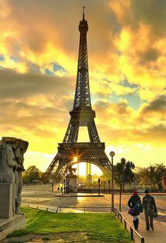 The Eiffel Tower, Paris, France Paris France, Francia Paris, Eiffel Tower Photography, Paris Torre Eiffel, France Eiffel Tower, Paris Wallpaper, Beautiful Paris, I Love Paris, Paris Pictures