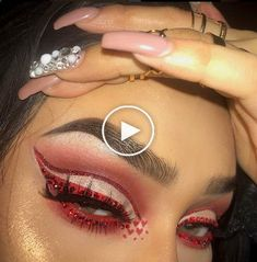 Are you looking for ideas for your Halloween make-up? Browse around this site for perfect Halloween makeup looks. Makeup Goals, Makeup Inspo, Makeup Inspiration, Makeup Tips, Beauty Makeup, Makeup Products, Makeup Videos, Cute Makeup, Pretty Makeup