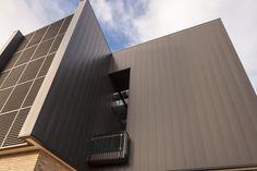 AUSTRALIAN CATHOLIC UNIVERSITY INTERLOCKING CASSETTE PANELS ALUMINIUM Catholic University, Learn Art, Cladding, Skyscraper, Multi Story Building, Exterior, Projects, Design, Skyscrapers