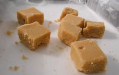 Traditional Scottish recipe: Tablet - Scotsman Food and Drink Canadian Dishes, Canadian Cuisine, Canadian Food, Canadian Recipes, Scottish Tablet Recipes, Traditional Scottish Food, Brown Sugar Fudge, Fudge Pie, Holiday Baking