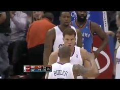 Blake Griffin dunks over Perkins