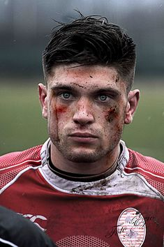 You know you're hot when you face could be bleeding out from all corners and you still look good Rugby Sport, Sport Man, Baseball League, Rugby League, Rugby Memes, Rugby Funny, Hot Rugby Players, Welsh Rugby Players, Bet Football