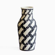 Brick Dash Vase by the Maryland-based ceramist Dana Bechert has caused quite a stir among New York tastemakers. It's only a matter of time before her reputation spreads abroad.