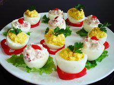 Γεμιστά Αυγά με Τυρί Κρέμα και Κόκκινη Πιπεριά - Funky Cook Sushi, Panna Cotta, Ethnic Recipes, Cooking, Food, Kitchen, Dulce De Leche, Essen, Meals