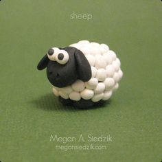 Polymer Clay Sheep – Hobbies paining body for kids and adult Sculpey Clay, Polymer Clay Kunst, Polymer Clay Figures, Cute Polymer Clay, Polymer Clay Animals, Cute Clay, Polymer Clay Charms, Polymer Clay Projects, Clay Crafts