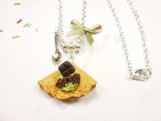 crêpe en fimo et boule de glace collier sautoir chocolat pistache chandeleur : Collier par kintcreations