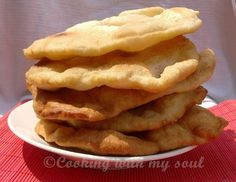 Scovergi - the best Romanian appetizer Romanian Food, Romanian Recipes, Onion Rings, Apple Pie, Donuts, Deserts, Food And Drink, Appetizers, Cooking Recipes