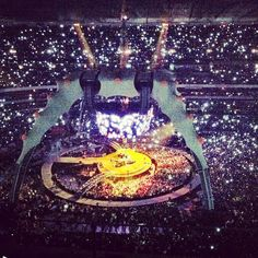 #GEInspiredME at the U2 concert. Photo submitted by Instagram user pakiviritz to #GEInspiredME contest.