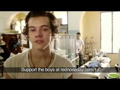 Harry Styles and Liam Payne from One Direction witness malaria. This has got to be one of the saddest things ever, they really care about these kids and the fact that they cried, shows how much they really care. Harry Styles, Ghana, One Direction Gif, Poverty In Africa, Poor Children, Poor Kids, Crying My Eyes Out, Red Nose Day, First Love