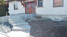 bild 5 zur bepflanzung zwei m rtelk bel gesetzt barrierefreier hauseingang vorgarten. Black Bedroom Furniture Sets. Home Design Ideas