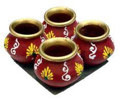 Bottle Painting, Bottle Art, Bottle Crafts, Diya Decoration Ideas, Diy Diwali Decorations, Diwali Craft, Diwali Diy, Pottery Painting Designs, Pottery Designs
