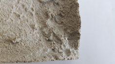 """Detail des Kunstobjekts """"Connection Lost"""". Kombination aus #Beton und #Computerhardware. Made by #DingeausBeton"""