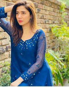 Mirror Work Kurti, Mirror Work Dress, Mirror Work Blouse Design, Pakistani Formal Dresses, Pakistani Bridal Wear, Pakistani Dress Design, Indian Designer Outfits, Designer Dresses, Designer Wear