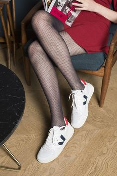 The Effective Pictures We Offer You About Media encaje A quality picture can tell you many things. Pantyhose Outfits, Nylons And Pantyhose, Tights Outfit, Looks Baskets, Mens Tights, Patterned Tights, Fashion Heels, Black Tights, Mode Style