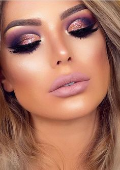 make up Gold makeup as well as pink makeup is really jazzy right now. Have you already tried this charming and trendy makeup look? Pink Makeup, Glam Makeup, Beauty Makeup, Face Makeup, Makeup Glowy, Drugstore Makeup, Purple Wedding Makeup, Rose Gold Makeup Looks, Wedding Nails