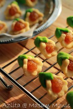 masam manis: BISKUT RAYA pineapple tart