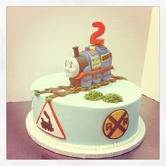thomas the train birthday cake -