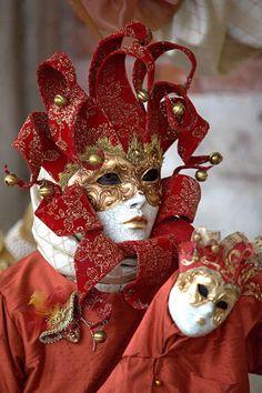Venice Carnival Costumes, Venetian Carnival Masks, Mardi Gras Carnival, Carnival Of Venice, Costume Venitien, Venice Mask, Beautiful Mask, Masquerade, Mystery