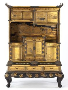 Meiji Lacquer and Gilt Display Cabinet