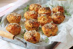 מהירות עם זיתים, מתובלות עם כרשה ועגבניות מיובשות או ממולאות בפטה וחצילים: שלוש לחמניות גבינה מיוחדות שתמשיכו להכין הרבה אחרי שבועות