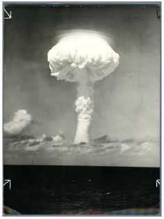 Christmas Island, First British H Bomb Test In Pacific Ocean On May 1957 Nuclear Bomb, Nuclear Energy, Nuclear War, Fire Tornado, Weapon Of Mass Destruction, Christmas Island, Atomic Age, Einstein, Warfare