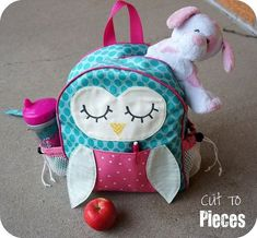 Free sewing pattern for Owl Tag Along Toddler Backpack « Moda Bake Shop. for a toddler. Because I know toddlers. (Who am I kidding, I am that toddler. Sewing Patterns Free, Free Sewing, Sewing Tutorials, Sewing Projects, Owl Backpack, Toddler Backpack, Backpack Craft, Backpack Tutorial, Backpack Pattern