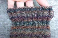 The Channel Island cast-on is very versatile because it is strong and elastic. It is the perfect cast-on method for socks because of its stretch. Its picot-like edge also makes it a very attractive option.