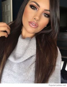 beautiful-makeup-grey-sweater-and-earrings