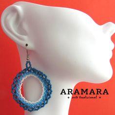 Boucles doreilles Mexique Huichol perlé bleu et blanc par Aramara