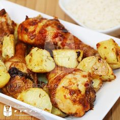 Frango com Batatas na AirFryer | Fritadeira sem Óleo - AirFryer Mais Multi Cooker Recipes, Slow Cooker Recipes, Cooking Recipes, Healthy Recipes, 30 Minute Meals, Air Fryer Recipes, Food Porn, Food And Drink, Yummy Food