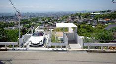Architektur » Modernes Haus am Hang bietet interessante Lösung für mehr Parkplätze #architektur #bietet #interessante #losung #modernes #parkplatze