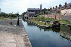 Canal in Erdington, Birmingham Birmingham Canal, Birmingham England, Canal Barge, Canal Boat, Travel Around The World, Around The Worlds, Narrowboat, Old Pictures, Britain