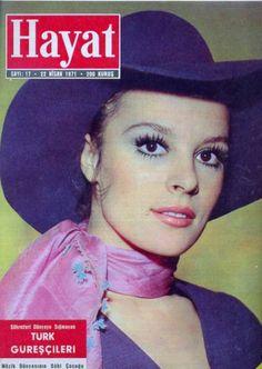 Hulya Kocyigit - 22 Nisan 1971 Hayat mecmuası