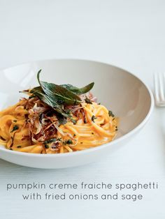 Cafe Johnsonia: Pumpkin Creme Fraiche Spaghetti with Fried Onions and Sage Leaves.this sauce would be great on spaghetti squash or spiralized zucchini Spiralizer Recipes, Pasta Recipes, Cooking Recipes, Pumpkin Recipes, Fall Recipes, Pasta Party, Butter Pasta, Vegetarian Recipes, Healthy Recipes