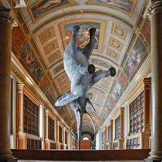 Wursa un elefante equilibrista! escultura en tamaño real de Daniel Firman