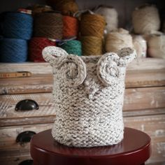 Loom knit basket, loom knit owl basket, loom knitting patterns.
