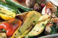 44 nej receptů s cuketami Tray Bakes, Zucchini, Baking, Vegetables, Food, Sheet Cakes, Bakken, Essen, Vegetable Recipes